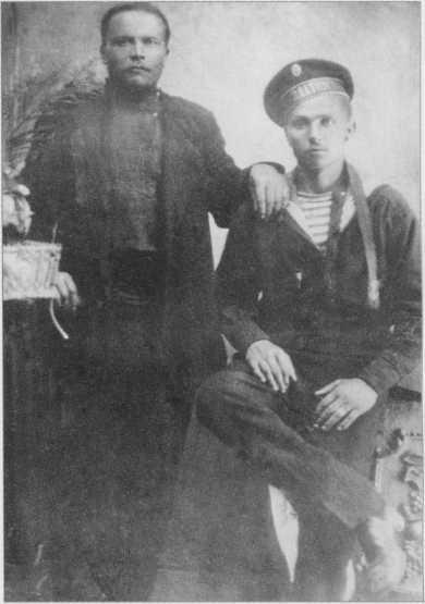 Братья Коваленко. Константин и Петр (слева). Их фамилией названа улица в микрорайоне